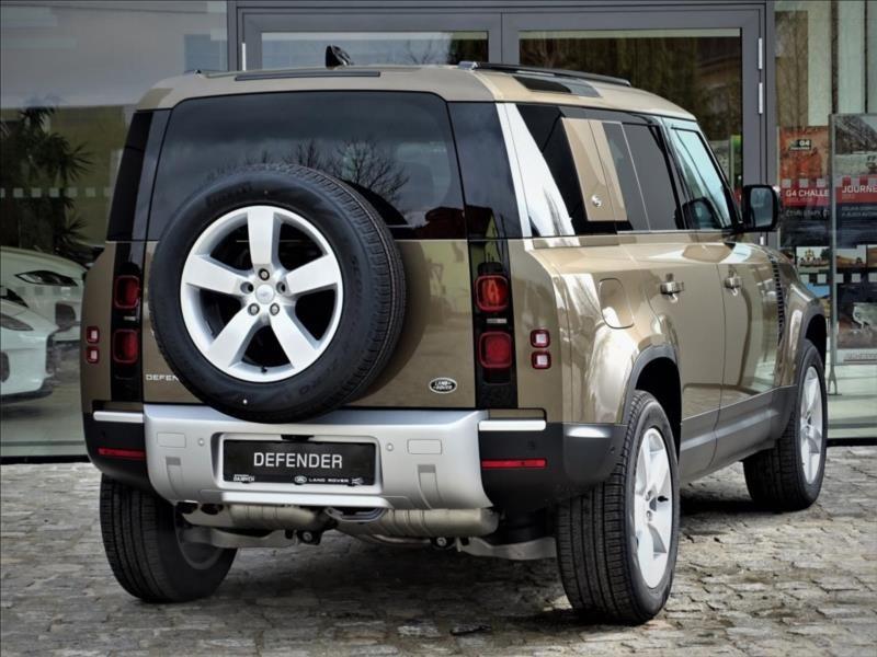 Land Rover Defender 110 D300 SE MY2021   Autosalon Dajbych